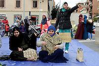 Roma, 10 Febbraio 2017<br /> Donne musulmane in Preghiera<br /> Centinaia di Musulmani pregano in Piazza dei Mirti a Centocelle per festeggiare la riapertura della Moschea-sala di Preghiera in via dei Gladioli.<br /> <br /> Hundreds of Muslims praying in Piazza dei Mirti in Centocelle to celebrate the reopening of the Mosque-Prayer hall in Via dei Gladioli