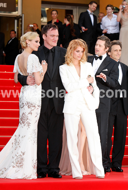 **ALL ROUND PICTURES FROM SOLARPIX.COM**.**SYNDICATION RIGHTS FOR UK AND SPAIN ONLY**.Arrivals at the premiere of Inglourious Basterds at the 62nd Cannes Film Festival in Cannes, France. .This pic:   Diane Kruger,Quentin Tarantino,Melanie Laurent,Brad Pitt,Lawrence Bender.JOB REF:      9067    CPR/Heinz        DATE:  21.05.09.**MUST CREDIT SOLARPIX.COM OR DOUBLE FEE WILL BE CHARGED**.**ONLINE USAGE FEE GBP 50.00 PER PICTURE - NOTIFICATION OF USAGE TO PHOTO @ SOLARPIX.COM**.**CALL SOLARPIX : +34 952 811 768 or LOW RATE FROM UK 0844 617 7637**