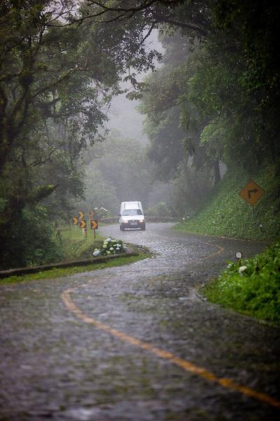 Curitiba_PR, Brasil...Imagens da historica estrada da Graciosa, que corta a Serra do Mar, ligando Curitiba a cidades historicas.....Foto: BRUNO MAGALHAES / NITRO