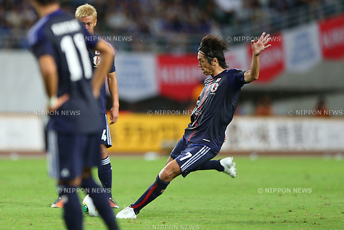 Yasuhito Endo (JPN),<br /> SEPTEMBER 6, 2013 - Football / Soccer :<br /> Yasuhito Endo of Japan scores his team's third goal from a free kick during the Kirin Challenge Cup 2013 match between Japan 3-0 Guatemala at Nagai Stadium in Osaka, Japan. (Photo by Kenzaburo Matsuoka/AFLO)