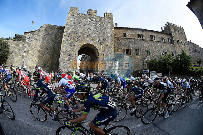 The peloton in action during Stage 2 of the 2017 Tirreno Adriatico running 229km from Camaiore to Pomarance, Italy. 9th March 2017.<br /> Picture: La Presse/Fabio Ferrari | Cyclefile<br /> <br /> <br /> All photos usage must carry mandatory copyright credit (&copy; Cyclefile | La Presse)