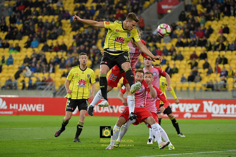 Wellington Phoenix&rsquo;  Dylan Fox in action during the A League - Wellington Phoenix v Melbourne City FC at Westpac Stadium, Wellington, New Zealand on Saturday 8 October 2016.<br /> Photo by Masanori Udagawa. <br /> www.photowellington.photoshelter.com.