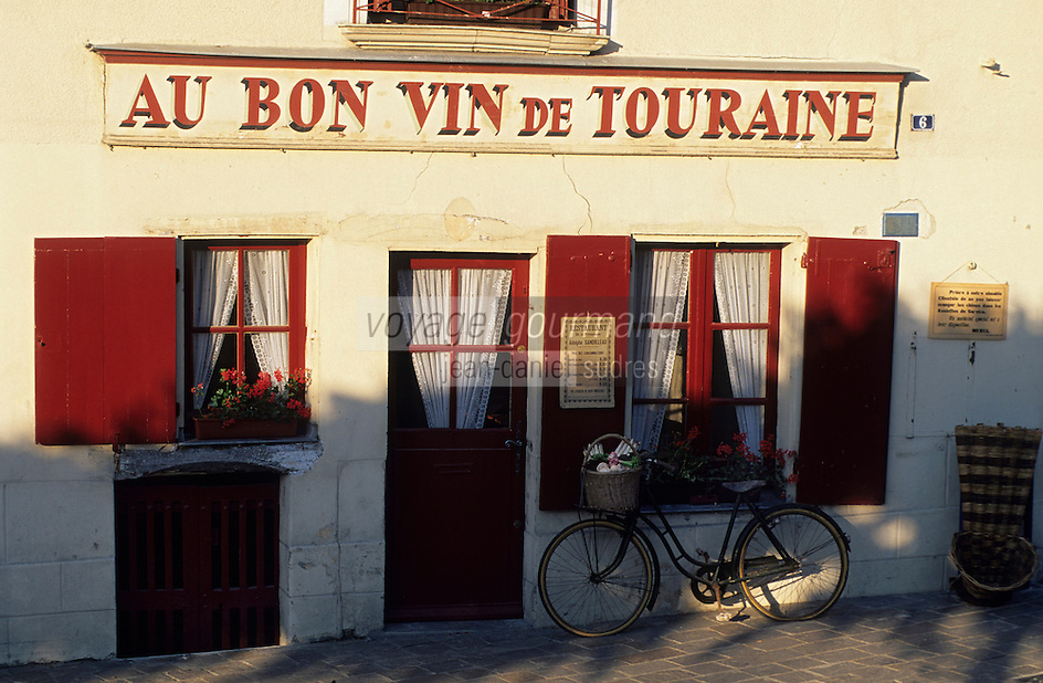 Europe/France/Centre/37/Indre-et-Loire/Azay-le-Rideau : Caf&eacute; &quot;Au Bon Vin de Touraine&quot;<br /> PHOTO D'ARCHIVES // ARCHIVAL IMAGES<br /> FRANCE 1990