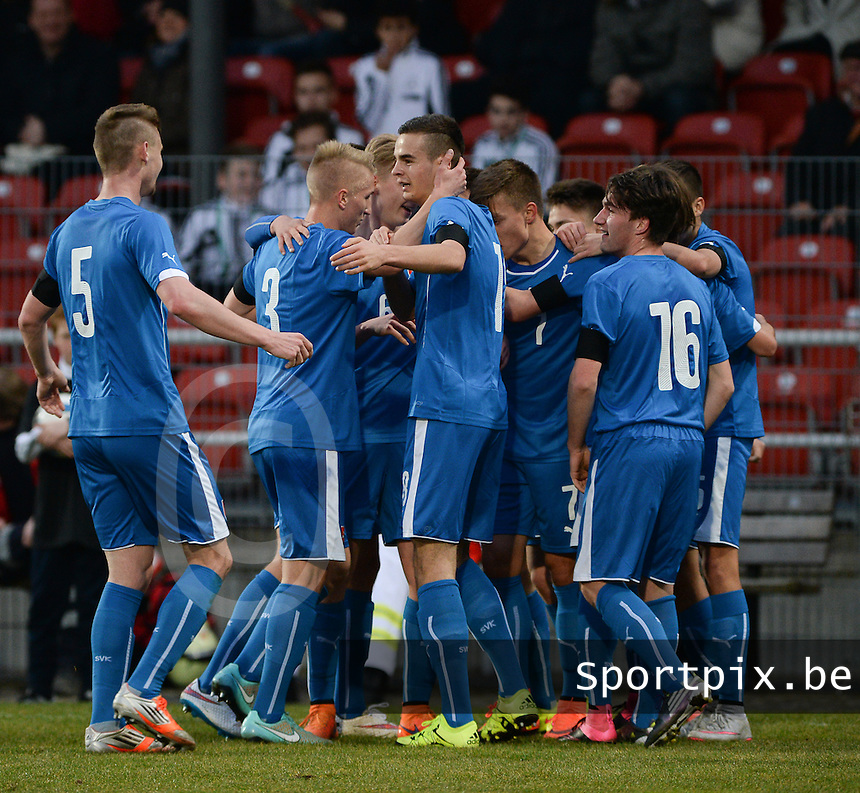 20160324 - Dusseldorf , GERMANY : Slovakian players celebrating their 1-1 goal pictured during the soccer match between the under 17 teams of Germany and Slovakia , on the first matchday in group 4 of the UEFA Under17 Elite rounds at the Paul Janes Stadion in Dusseldorf , Germany. Thursday 24th March 2016 . PHOTO DAVID CATRY