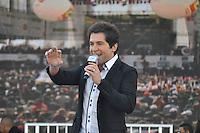SAO PAULO, SP, 01 DE MAIO  DE 2012 -  1º DE MAIO UNIFICADO - O cantor Daniel esteve presente no dia do trabalhador unificado que foi comemorado com ato organizado pela Força Sindical e diversos outros sindicatos na praça Campos de Bagatelle, zona norte da cidade. FOTO: LEVI BIANCO - BRAZIL PHOTO PRESS
