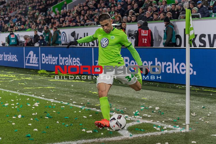 24.02.2017, Volkswagen Arena, Wolfsburg, GER, 1.FBL, VfL Wolfsburg vs SV Werder Bremen<br /> <br /> im Bild<br /> Ricardo Rodriguez (VfL Wolfsburg #34) mit Eckstoss, <br /> <br /> Foto &copy; nordphoto / Ewert
