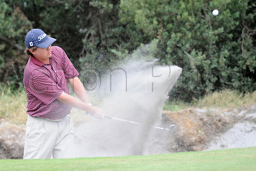 Nov 14, 2009 - Melbourne, Australia - JASON DUFNER works his way out of the sand and onto the green on 14 during round 3 of the Australian Masters 2009 at Kingston Heath Golf Club. Photo: Matthew Mallett/Actionplus