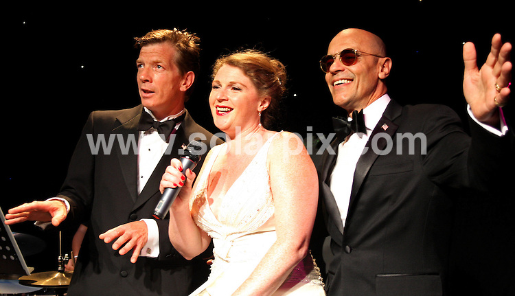 **ALL ROUND PICTURES FROM SOLARPIX.COM**.**WORLDWIDE SYNDICATION RIGHTS**.Paul Roberts, singer with The Stranglers between 1990-2006, sings songs with Ray Caruana and Louisa Parry by the likes of Cole Porter, George Gershwin and Irving Berlin as part of series celebrating American musicals at the New End Theatre, New End Road, Hampstead in London, UK. 6 August 2009..This pic: Paul Roberts..JOB REF: 9709 LNJ     DATE: 06_08_2009.**MUST CREDIT SOLARPIX.COM OR DOUBLE FEE WILL BE CHARGED**.**MUST NOTIFY SOLARPIX OF ONLINE USAGE**.**CALL US ON: +34 952 811 768 or LOW RATE FROM UK 0844 617 7637**