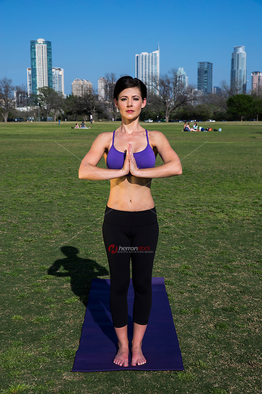 Zilker Park offers a wide variety of sports and fitness programs for all ages. There are grounds for yoga meditation, baseball, soccer, and kite flying.