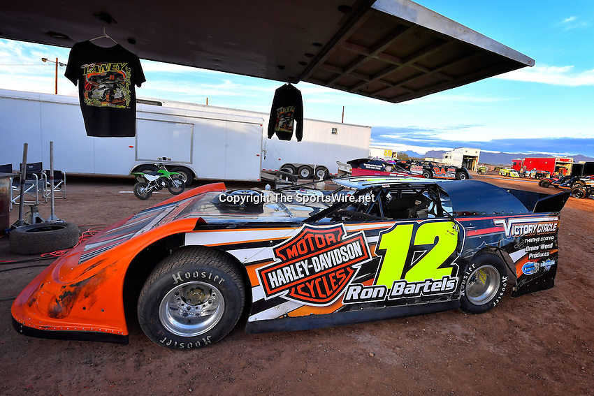 Jan 7, 2017; 4:59:38 PM; QUEEN CREEK, AZ., USA; 11th Annual Keyser Manufacturing Wild West Shootout at Arizona Speedway presented by O'Reilly Auto Parts. Mandatory Credit: (thesportswire.net)