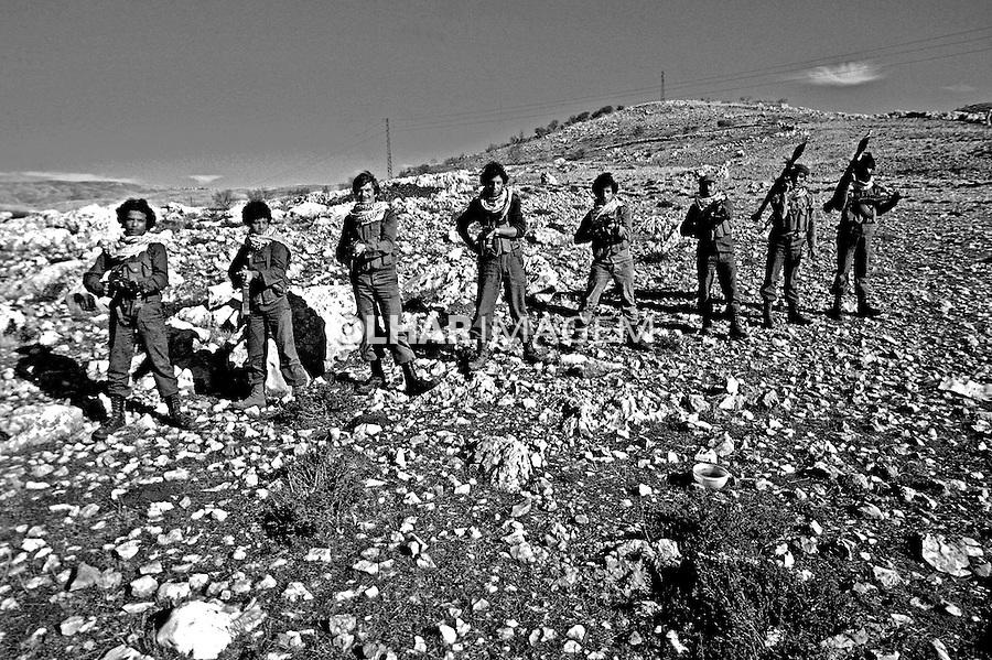 Militares palestinos no Vale do Bekaa. Libano. 1982. Foto de Juca Martins.