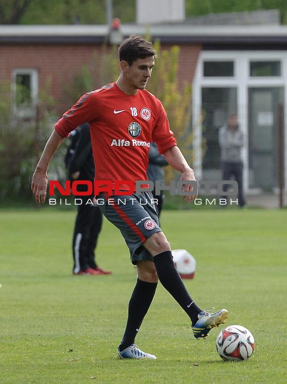 01.05.2015, Trainingsgelaende, Bremen, GER, 1.FBL, Training Eintracht Frankfurt, im Bild Johannes Flum (Frankfurt #18)<br /> <br /> Foto &copy; nordphoto / Frisch