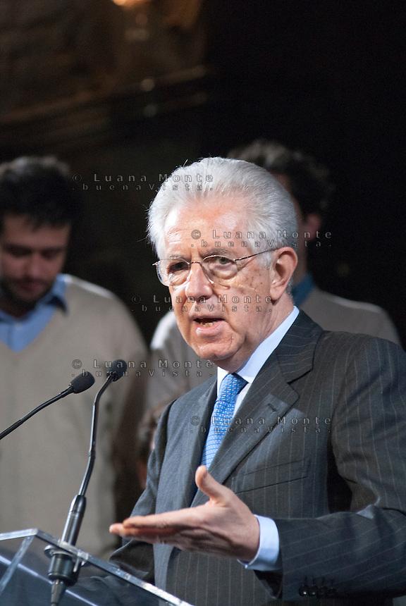 Mario Monti, candidato Presidente del Consiglio di Scelta Civica, incontra gli elettori al teatro Parenti. Milano, 10 febbraio, 2013<br /> <br /> Mario Monti, Prime Minister candidate of Scelta Civica, during a meeting with his voters. Milan, February 10, 2013