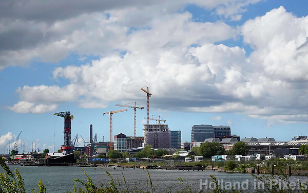 Nederland - Amsterdam - 2019.   Nieuwbouw bij de NDSM Werf in Amsterdam Noord.  Foto Berlinda van Dam / Hollandse Hoogte