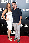 LOS ANGELES - AUG 16: Jeff Probst, Lisa Ann Russell at the premiere of Ben-Hur at the TCL Chinese Theatre IMAX on August 16, 2016 in Los Angeles, California