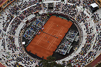 BOGOTA - COLOMBIA - 16 - 09 - 2017: Panorámica del partido de dobles de la Copa  Davis entre Colombia y Croacia jugado en la cancha de la Plaza La Santamaria de la capital. / /Panoramic photo of the Davis Cup doubles match between Colombia and Croatia played on the court of the Plaza La Santamaria in the capital, Photo: VizzorImage  /Felipe Caicedo / Staff.
