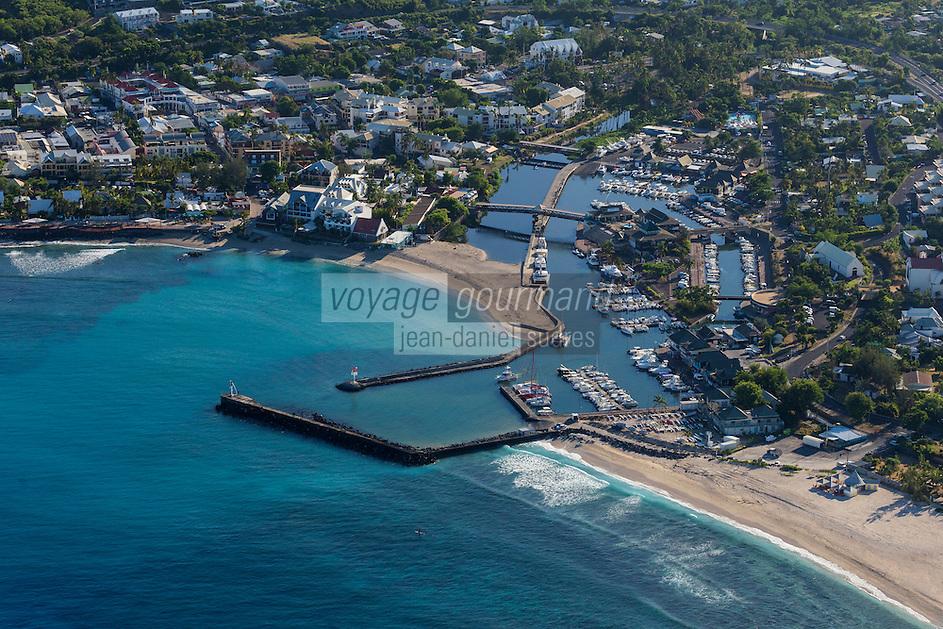 France, île de la Réunion, Saint-Paul, le port, vue aérienne  // France, Reunion island (overseas department), Saint Paul, the port ,  aerial view