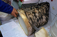 "Europe/Turquie/Istanbul : Détail ""Tulum Peynir"" fromage de brebis dans la peau"