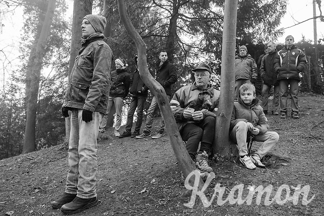 grandpa & grandson watching the riders come by<br /> <br /> UCI Cyclocross World Cup Namur/Belgium 2016