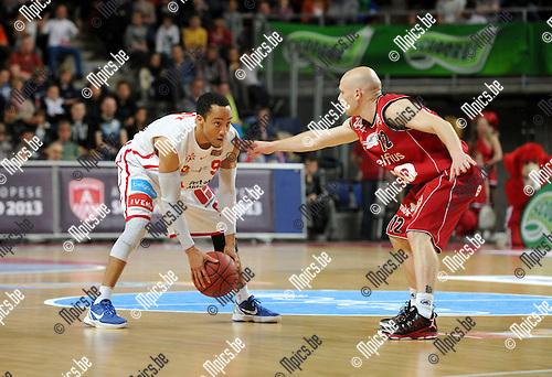2013-05-12 / Basketbal / seizoen 2012-2013 / Antwerp Giants - Luik / Tim Black (l. Giants) met Bosco..Foto: Mpics.be