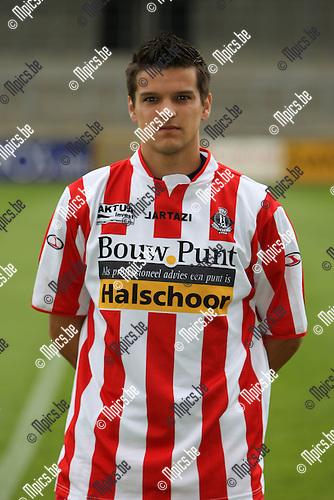 2009-07-19 / voetbal / seizoen 2009-2010 / Hoogstraten VV / GOVAERTS Jens..Foto: Maarten Straetemans (SMB)