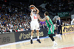 Real Madrid's Sergio Llull (l) and Darussafaka Dogus Istambul's Scottie Wilbekin during Euroleague, playoffs, Game 2. April 21, 2017. (ALTERPHOTOS/Acero)
