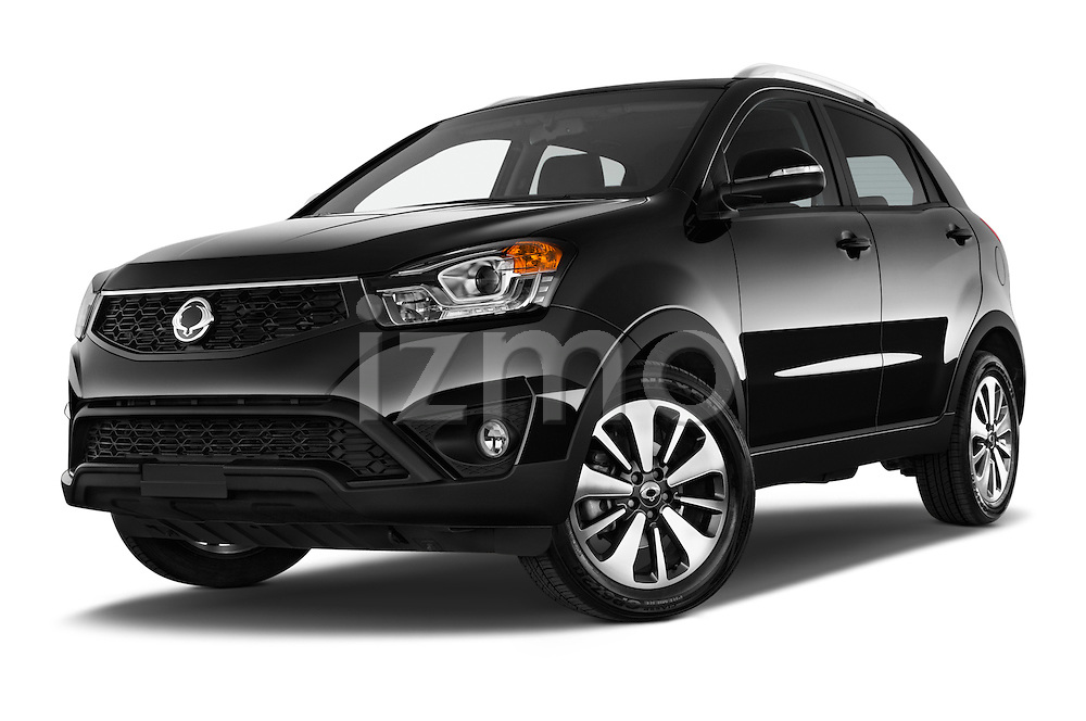 Stock pictures of low aggressive front three quarter view of2014 Ssangyong Korando Sapphire 5 Door SUV Low Aggressive