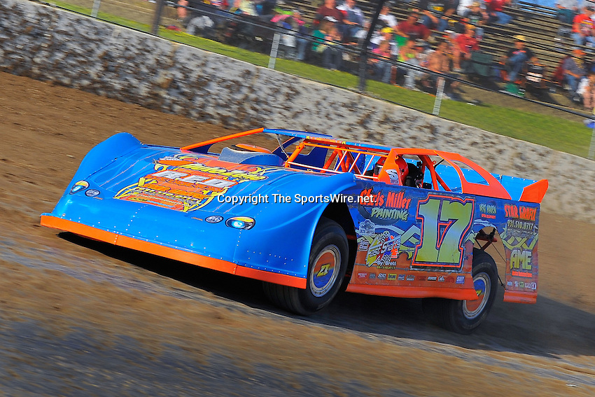 Jun 5, 2009; 7:25:15 PM; Rossburg, OH., USA; The running of the Dream XV  Dirt Late Models at the Eldora Speedway.  Mandatory Credit: (thesportswire.net)