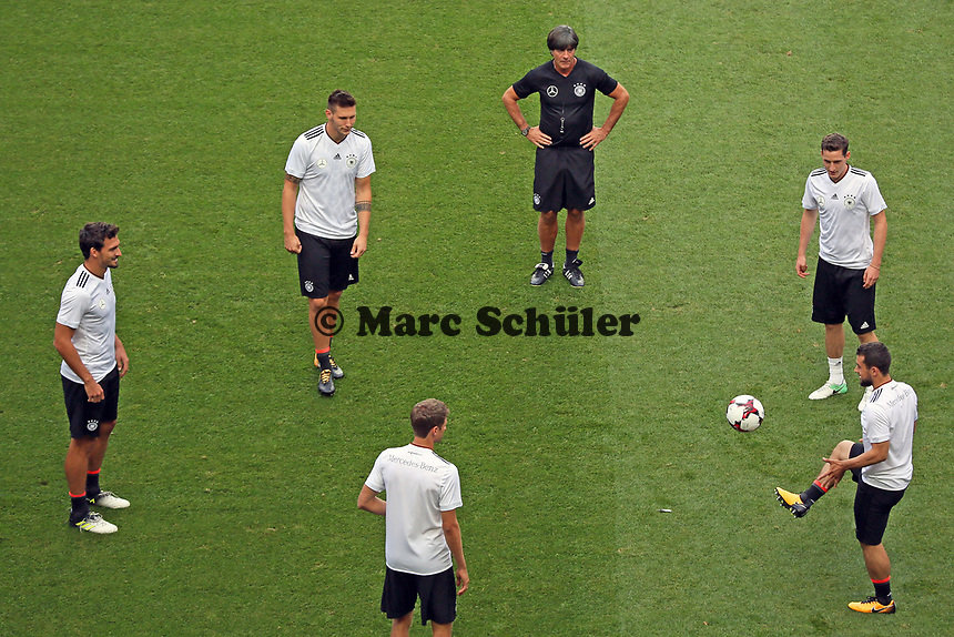 Mats Hummels, Niklas Süle (Deutschland Germany), Jonas Hector (Deutschland Germany), Sebastian Rudy (Deutschland Germany), Amin Younes (Deutschland Germany) - *cs* 31.08.2017: Abschlusstraining Deutschland in Prag, Marriott Hotel