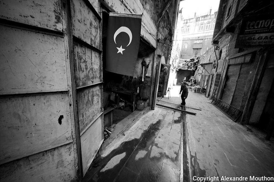 Un quartier d'ateliers, ville de Mardin.<br /> Neighborhood workshops, city of Mardin.