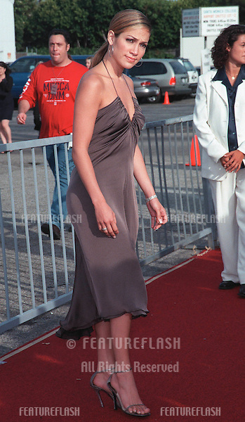 01AUG99: Actress JENNIFER LOPEZ at the 1999 Teen Choice Awards, in Santa Monica..© Paul Smith / Featureflash