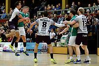 EMMEN - Handbal, E&O - Houten, Oosting Arena, Eredivisie Heren,  11-11-2017,  Mareno de Boer in duel met Jarn van Gool