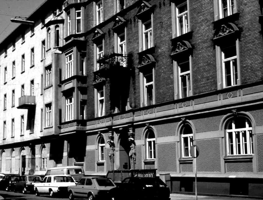 Title: Photograph of Crone Residence in Munich<br />