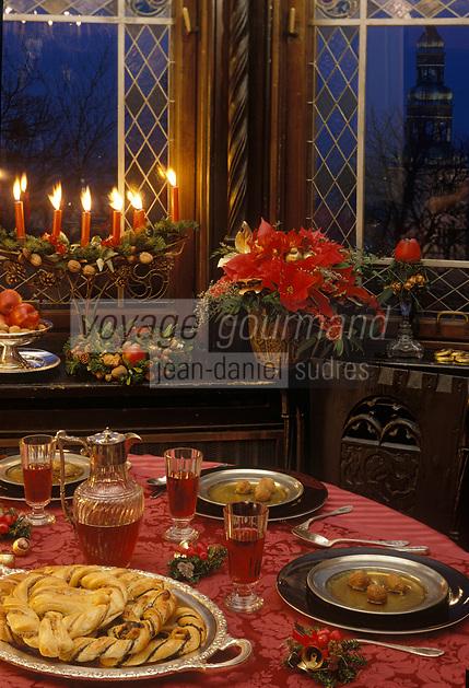 """Europe/Autriche/Salzbourg : Repas de Noël - Consommé aux boulettes de foie de chevreuil au restaurant """"Schloss Mönchstein"""""""