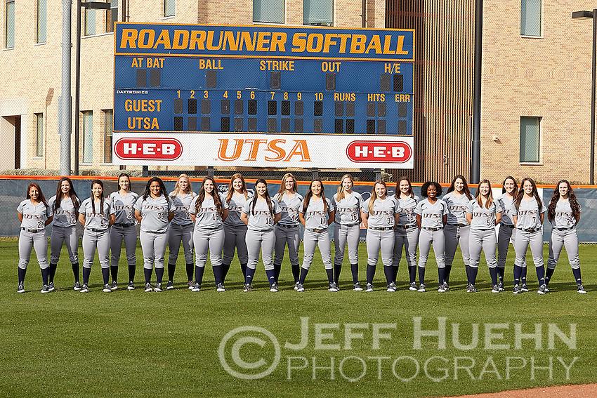 SAN ANTONIO, TX - JANUARY 11, 2017: The University of Texas at San Antonio Roadrunners Softball Team and Individual photos. (Photo by Jeff Huehn)