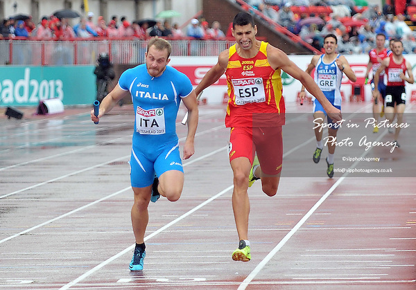 Matteo Galvan (ITA) beats S Garcia (ESP) to the line. Mens 4x 400m relay. Day 2. European Team Athletics Championships. Gateshead. Tyne and Wear. UK. 23/06/2013. <br />  MANDATORY Credit Garry Bowden/SIPPA - NO UNAUTHORISED USE - 07837 394578