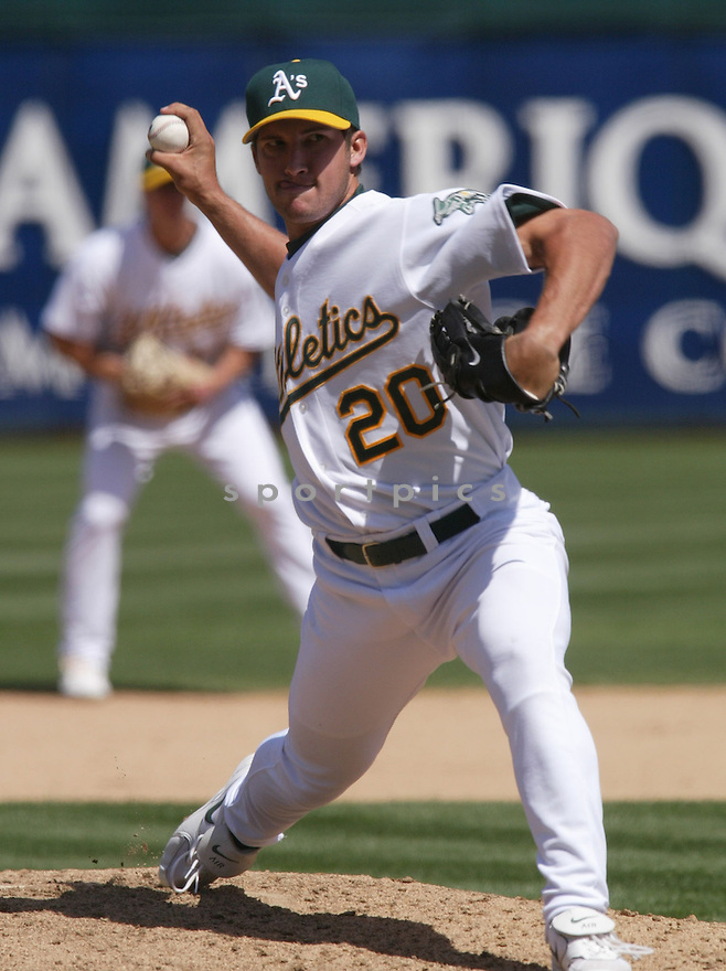 Huston Street during the Oakland A's v. Los Angeles Angels game on April 16, 2005...A's win 1-0..Rob Holt / SportPics