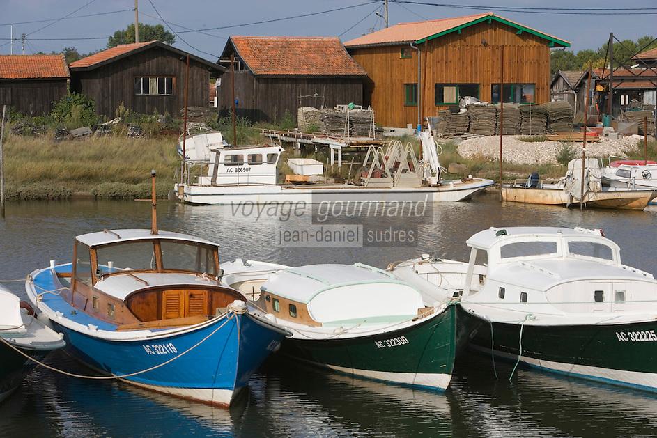 Europe/France/Aquitaine/33/Gironde/Bassin d'Arcachon/La Teste de Buch: Port de La Teste -Port ostréicole- Pinasses bateau traditionnel du bassin et chaland