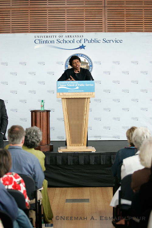 PBS host Gwen Ifill talks about her new book at the Clinton Presidential Library Thursday, May 07, 2009 in Little Rock, Arkansas.