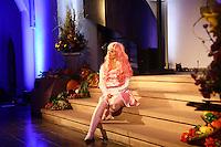 """Alexa Rockstroh singt ein Stück aus """"Starlight Express"""" - Gross-Gerau 01.10.2016: Musical Benefizshow für BIA Foundation für Kinder in Nepal in der Groß-Gerauer Stadtkirche"""