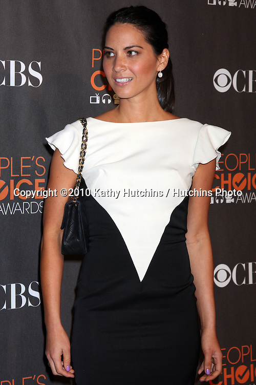 Olivia Munn.arriving  at the 2010 People's Choice Awards.Nokia Theater.January 6, 2010.©2010 Kathy Hutchins / Hutchins Photo.