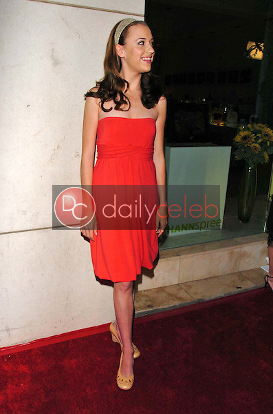 """Andrea Bowen<br />at a party to celebrate the publication of """"Burnt Toast: And Other Philosophies Of Life"""". Aqua Restaurant and Lounge, Beverly Hills, CA. 05-02-06<br />Scott Kirkland/DailyCeleb.Com 818-249-4998"""