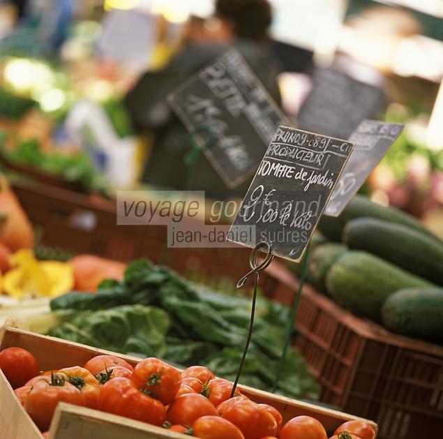 Europe/France/89/Bourgogne/Yonne/Sens: Le marché couvert, détail d'un étal de primeurs