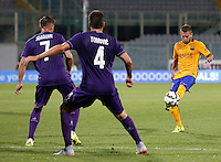 Calcio: amichevole Fiorentina vs Barcellona. Firenze, stadio Artemio Franchi, 2 agosto 2015.<br /> FC Barcelona's Jordi Alba, right, is challenged by Fiorentina's Joaquin, left, and Nenad Tomovic during the friendly match between Fiorentina and FC Barcelona at Florence's Artemio Franchi stadium, 2 August 2015.<br /> UPDATE IMAGES PRESS/Riccardo De Luca