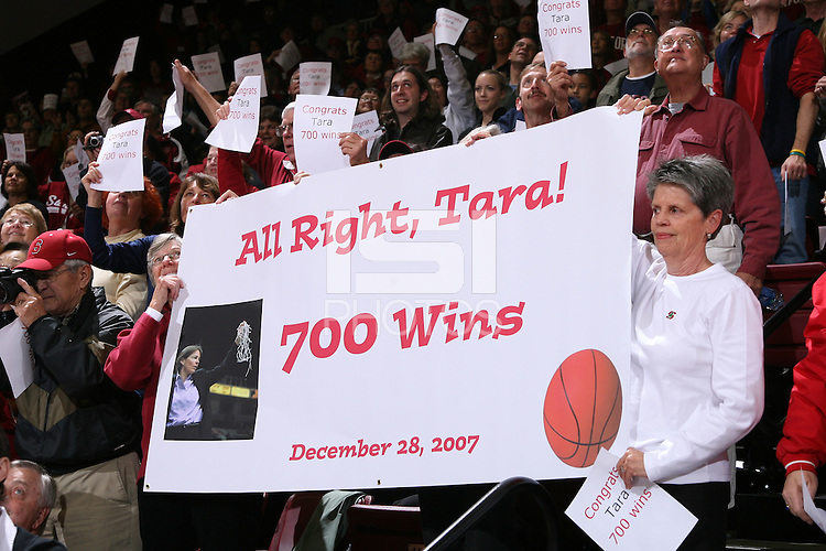 28 December 2007: Fans celebrate Tara Vanderveer's 700th win during Stanford's 105-47 win over Washington State at Maples Pavilion in Stanford, CA.
