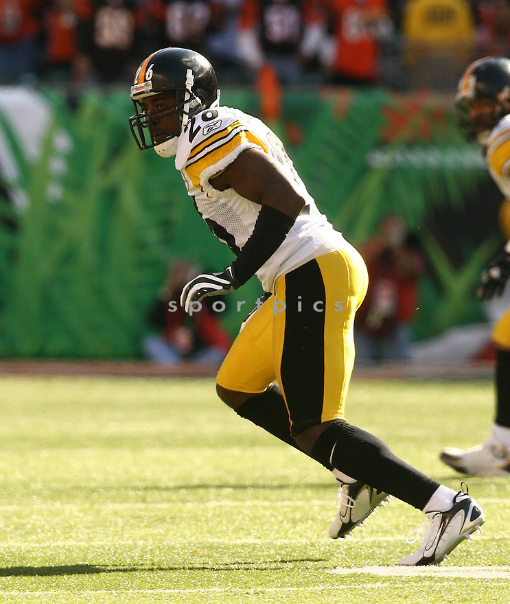 DESHEA TOWNSEND, of the Pittsburgh Steelers, in action during the Steelers games against the Cincinnati Bengals, in Cincinnati, Ohio on October 28, 2007.  ..The Steeler won the game 24-13...COPYRIGHT / SPORTPICS..........