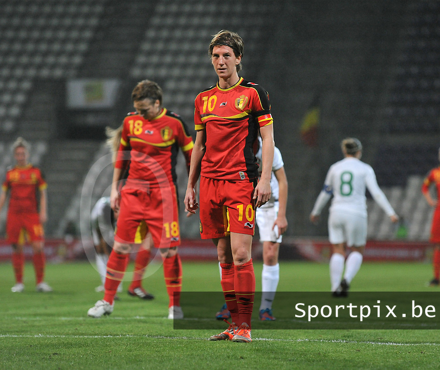 20131031 - ANTWERPEN , BELGIUM : Belgian Aline Zeler (10) pictured ready to take her penaltykick during the female soccer match between Belgium and Portugal , on the fourth matchday in group 5 of the UEFA qualifying round to the FIFA Women World Cup in Canada 2015 at Het Kiel stadium , Antwerp . Thursday 31st October 2013. PHOTO DAVID CATRY