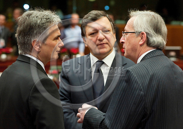 Brussels-Belgium - December 17, 2010 -- European Council, EU-summit under Belgian Presidency; here, Werner FAYMANN (le), Federal Chancellor of Austria, José (Jose) Manuel BARROSO (ce), President of the European Commission, Jean-Claude JUNCKER (ri), Prime Minister (and Ministre d'Etat, Minister for Finance) of Luxembourg -- Photo: Horst Wagner / eup-images