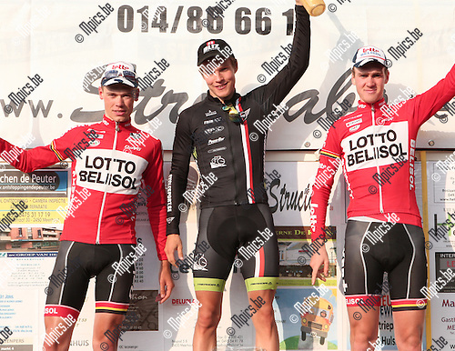 2014-09-21/ Wielrennen / Seizoen 2014/ Meerhout / Elite  / foto mpics.be / Het podium met winnaar Matti Manninen , Mathias Van Gompel (l) met de tweede plaats en Dries Van Gestel op drie.