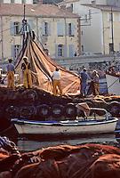 Europe/France/Languedoc-Roussillon/66/Pyrénées-Orientales/Port-Vendres: Retour des  bateaux de pèche à l'anchois